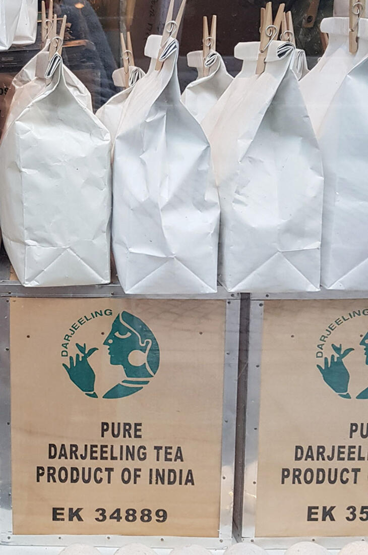 pure darjeeling tea packages